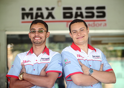 max-bass-equipe-home