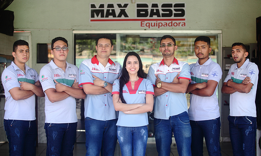 max-bass-equipe-02
